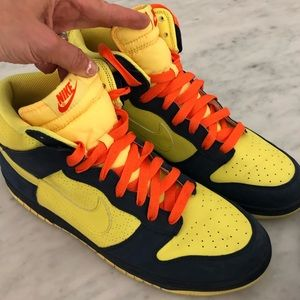 Nike men's high voltage basketball shoes